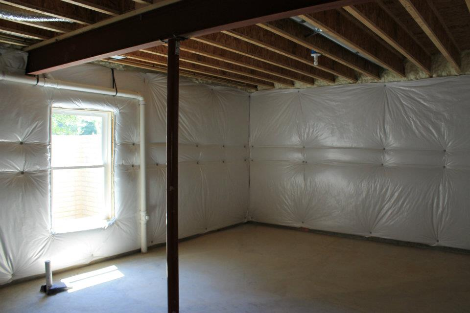 Basement insulation wrap 14 basement wall blanket for Basement wall insulation blanket